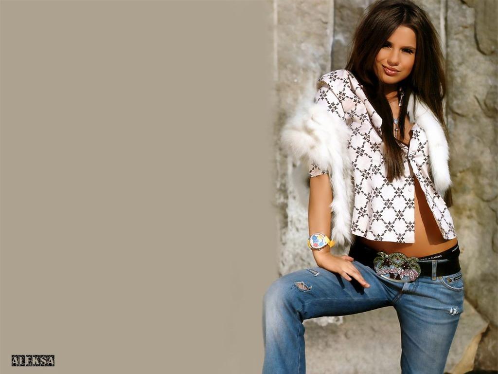 Фотосессия девушек в джинсах 13 фотография